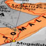 Als Siad Barre seinen Kurs während seiner Amtszeit zunehmend verschärft, bildet sich eine Allianz oppositioneller Clans, die ihn 1991 schließlich zu Fall bringt. Kurze Zeit später zerfällt die Kriegskoalition. Somalia stürzt in politische Anarchie und Bürgerkrieg... | Bild (Ausschnitt): © n.v. -