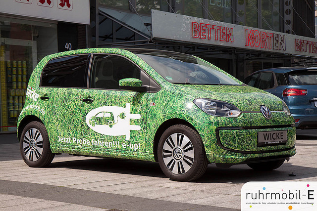 Elektroauto ausgestellt in Bochum