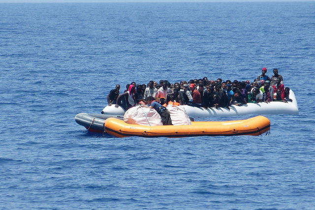 Rettung Flüchtlinge  Bild: ©  Brainbitch [CC BY-NC 2.0]  - flickr