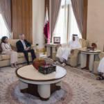 Emir von Katar bei einem Treffen mit US Secretary of Defense Jim Mattis Scheich Sheikh Tamim bin Hamad Al Thani (2. v. r.), Emir von Katar bei einem Treffen mit US Secretary of Defense Jim Mattis | Bild (Ausschnitt): © Jim Mattis [CC BY 2.0] - Flickr