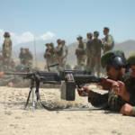 Afghanische Soldaten in der Ausbildung Soldaten der nationalen afghanischen Armee (ANA) bei der Ausbildung - Auch nach 16 Jahren ist der Krieg in Afghanistan noch nicht vorbei. | Bild (Ausschnitt): © Dan Love [CC BY-NC 2.0] - Flickr
