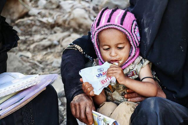 Scheinheilige Hilfe Scheinheilige US-Hilfe im Jemen: Die USA und andere westliche Mächte befeuern mit der Unterstützung Saudi-Arabiens den Konflikt.    Bild: ©  USAID U.S. Agency for International Development [CC BY-NC 2.0]  - Flickr