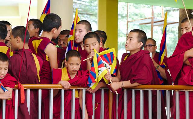 "Tibetische Mönche  Bild: ""Tibetischer Nationaler Protesttag "" © Kristian Niemi [CC BY-NC-ND 2.0]  - Flickr.com"