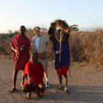 Massai mit Touristen Massai mit Touristen | Bild (Ausschnitt): © Ron Hollis [(CC BY-NC 2.0)] - flickr.com
