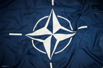 The flag of NATO.  |  Bild: © Defence Images [CC BY-NC 2.0]  - flickr