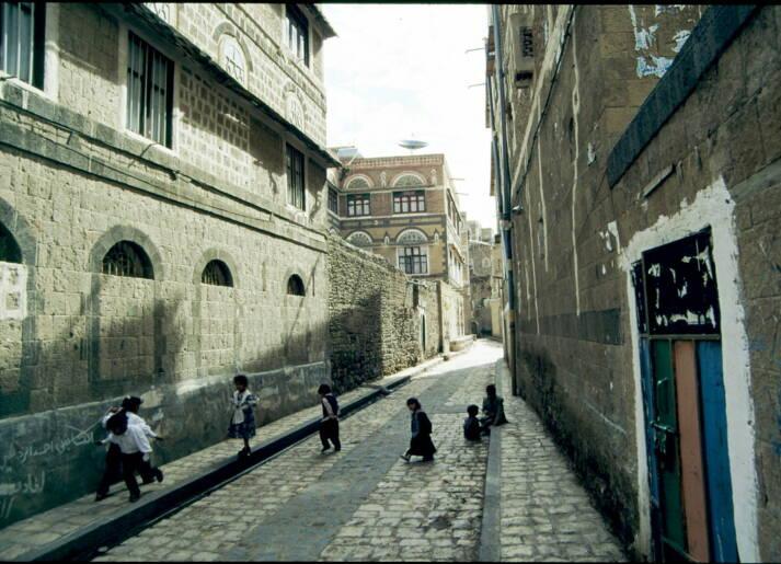 Vor allem Kinder sind vom Jemenkrieg betroffen. Seit 2015 sind bereits über 80 000 Kinder unter fünf Jahren verhungert. |  Bild: © Micharl Rung [CC BY-NC 2.0]  - Flickr